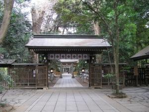 諏訪神社境内