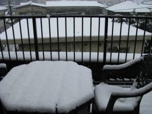 窓の外は雪
