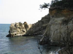 鵜の岬の断崖絶壁(伊師浜海岸)